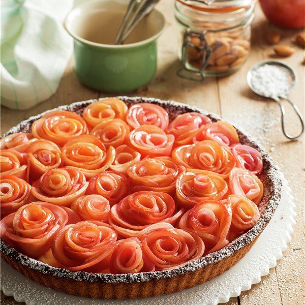 Tarta integral con rosas de manzana
