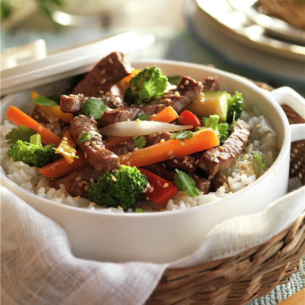 Tiras de ternera con arroz y verduras