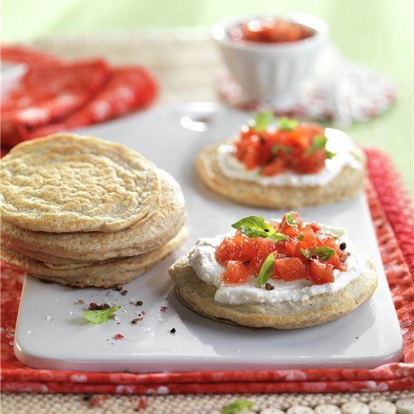Tortitas de avena con requesón y tomate
