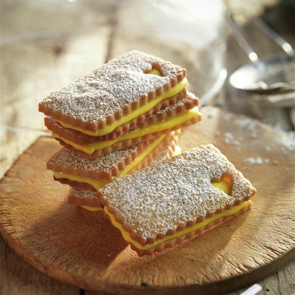 Galletas rellenas de limón