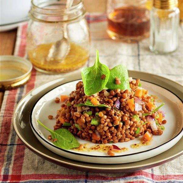 Ensalada de lentejas con hortalizas y espinacas