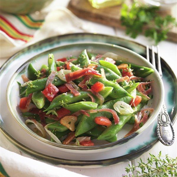 Judías verdes salteadas con tomate y jamón