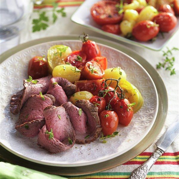 Roastbeef con tomatitos asados