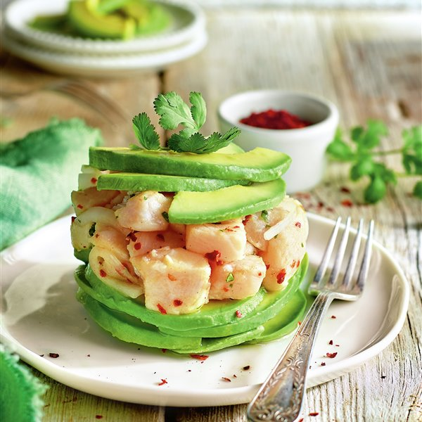 Timbal de aguacate y ceviche