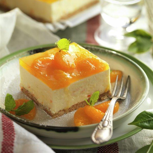 Tarta de mandarina, galletas y queso