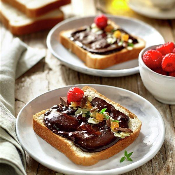 Pan de molde casero con crema de chocolate