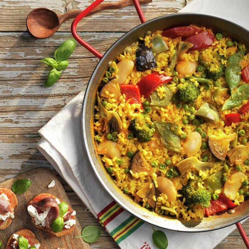 paella_de_verduras_y_tostas_con_queso_y_anchoas
