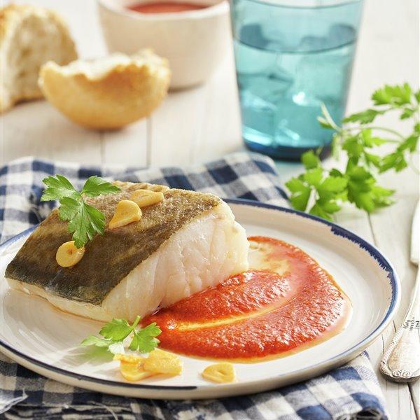 Bacalao a la vizcaína con salsa aparte