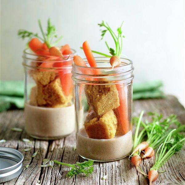 Carrot cake, toffee de arroz integral y zanahorias en almíbar de regaliz
