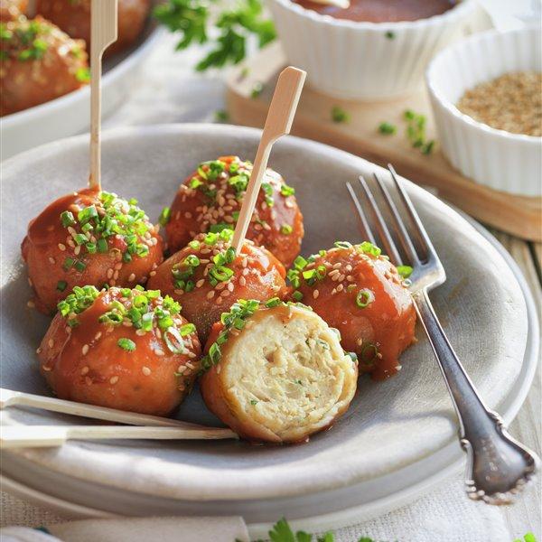 Albóndigas de pollo con salsa española