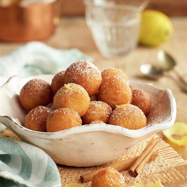 Buñuelos de crema al limón