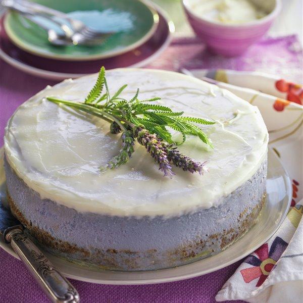 Cheesecake al aroma de lavanda con base de galleta