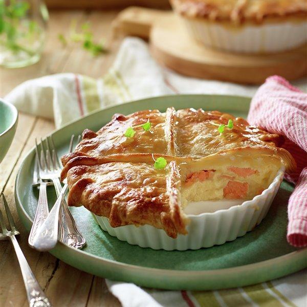 Hojaldre de salmón fresco con queso de cabra