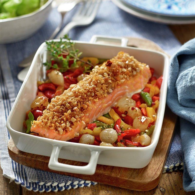 paso_a_paso_para_realizar_salmon_con_costra_y_verduras_resultado_final