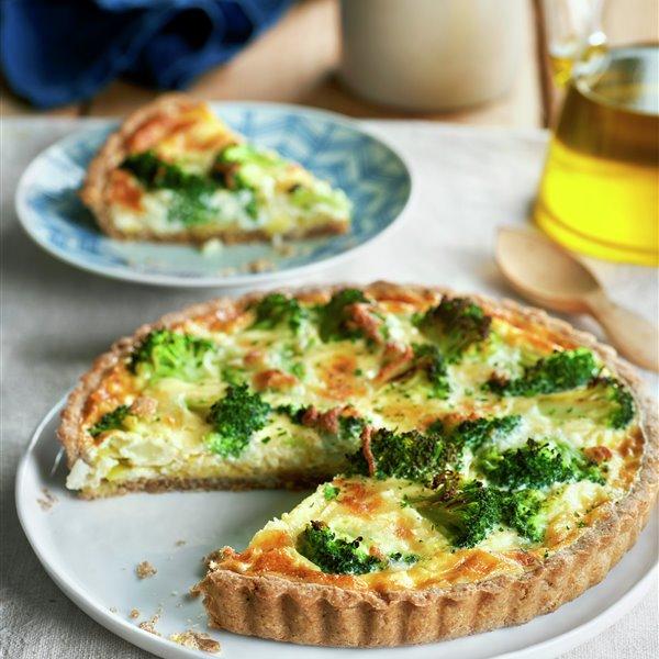 Tarta integral de brócoli, puerro y mozzarella