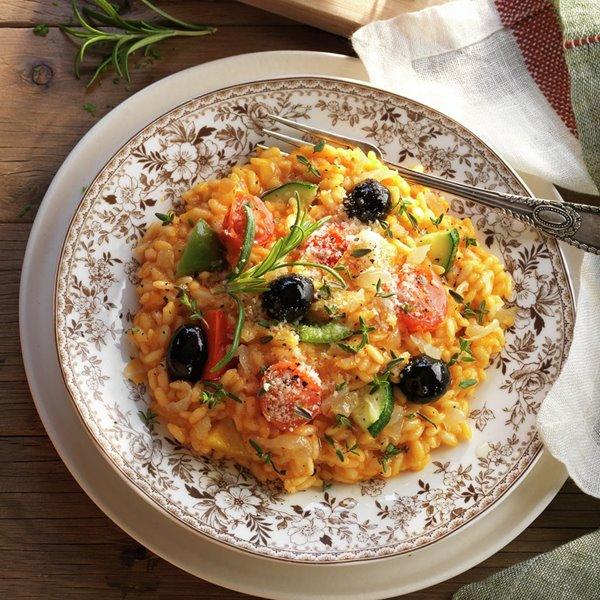 Risotto de tomate y cebolla caramelizada