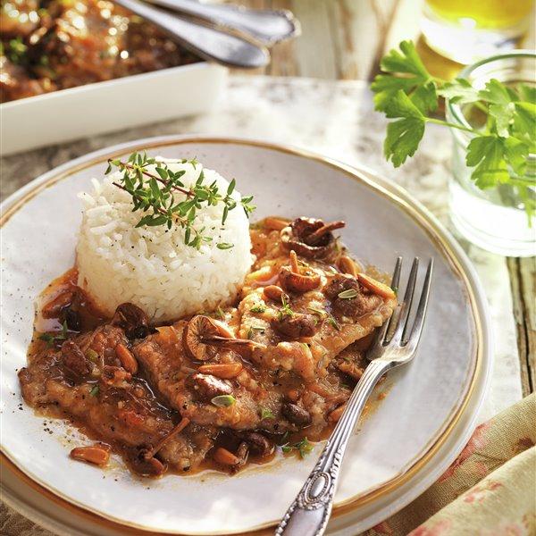 Fricandó tradicional con setas y arroz