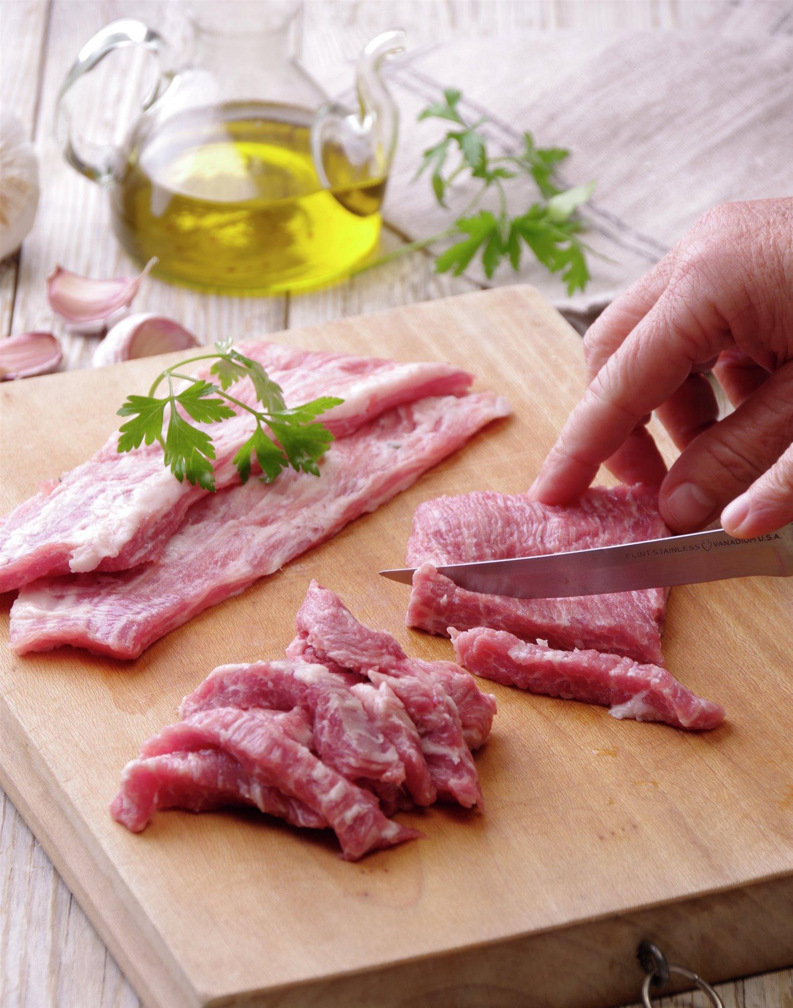 2. Corta la carne