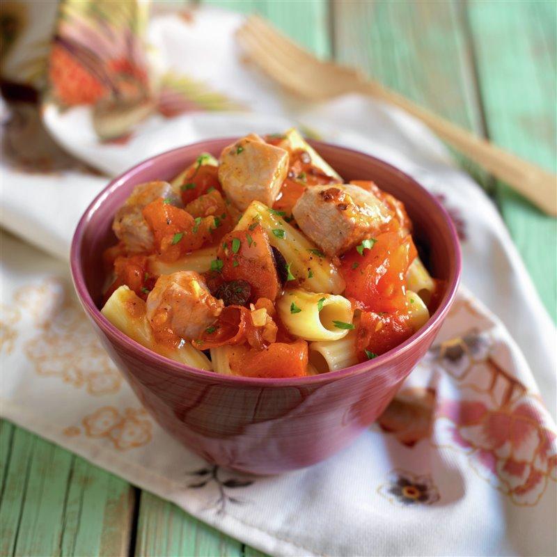 macarrones_con_daditos_de_atun_y_tomate