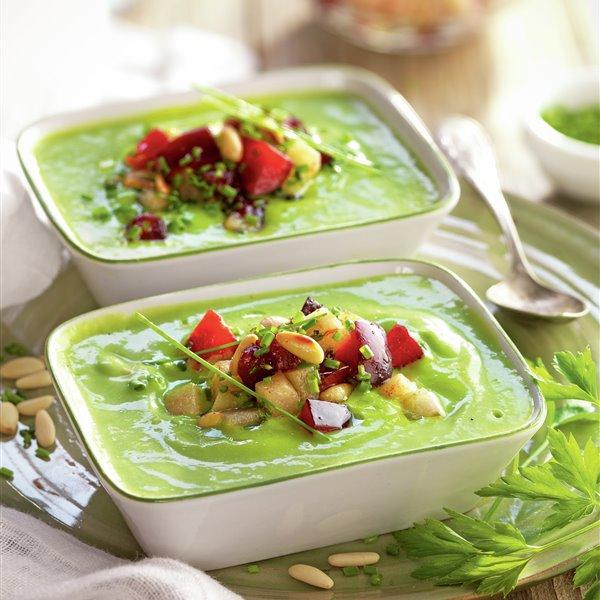 Crema tibia de verduras con topping