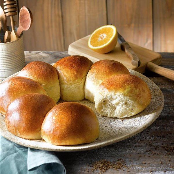 Pan dulce de aceite, naranja y anís