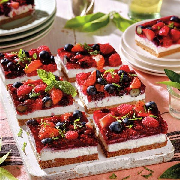 Tarta de requesón con frutos rojos