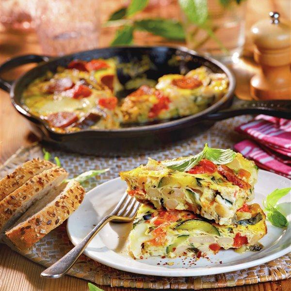Frittata con alubias, verduras y chorizo