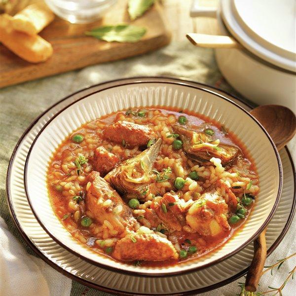 Arroz caldoso con costillas, salchichas y verduras