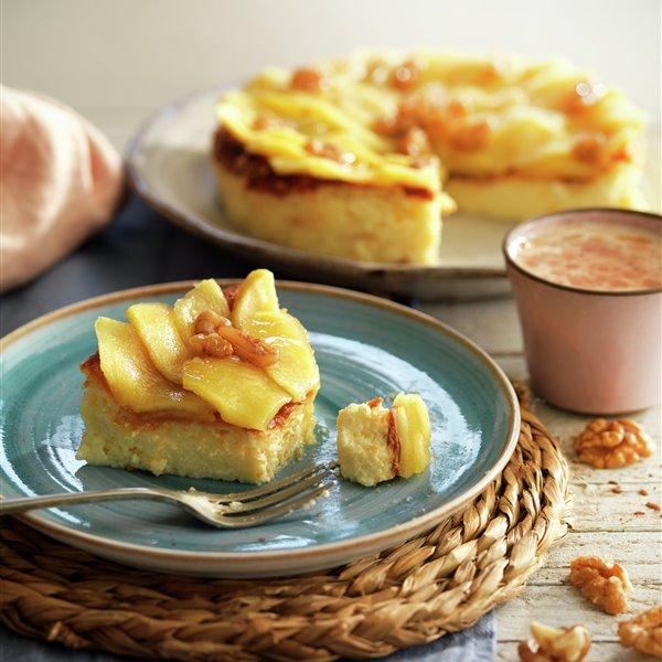Tarta de queso con manzana y nueces caramelizadas