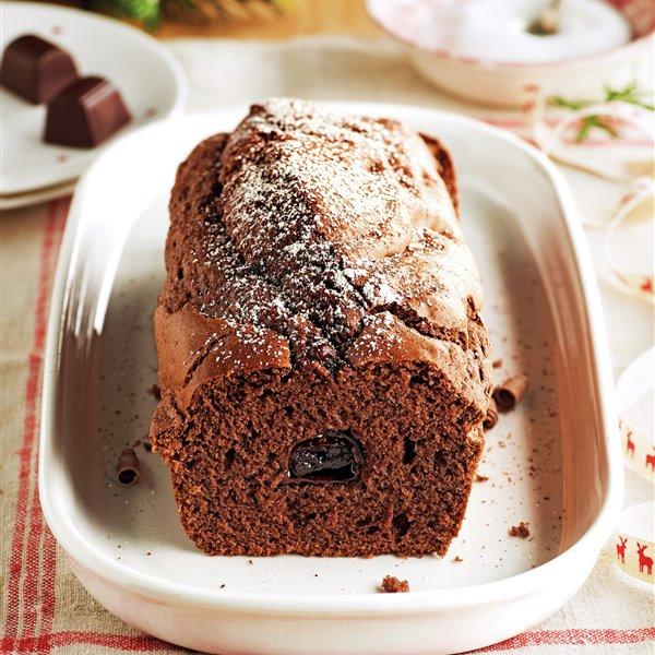 Plumcake de chocolate relleno de bombones de licor