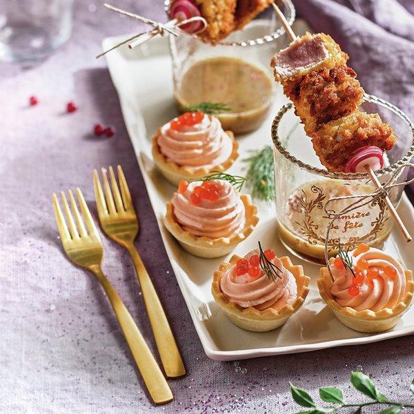 Tartaletas de crema de salmón y huevas