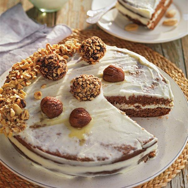 Bizcocho con frutos secos y crema de vainilla y coco