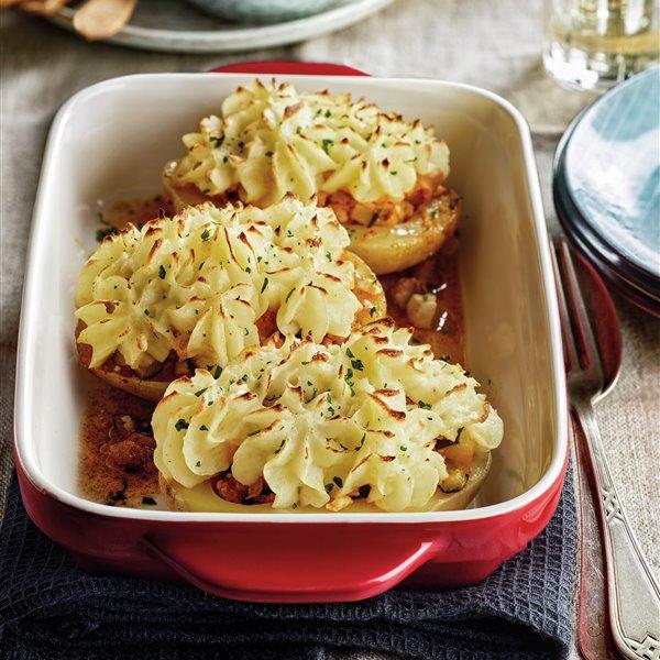 Patatas rellenas de carne y verdura con puré gratinado