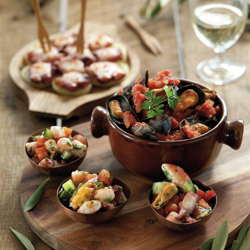 clasicos_con_sabor_a_mar_salpicon_de_marisco_mejillones_a_la_marinera_pulpo_a_la_gallega