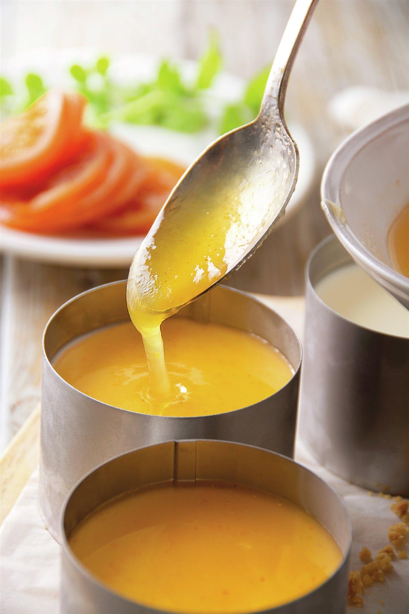 7. Calienta la mermelada con gelatina