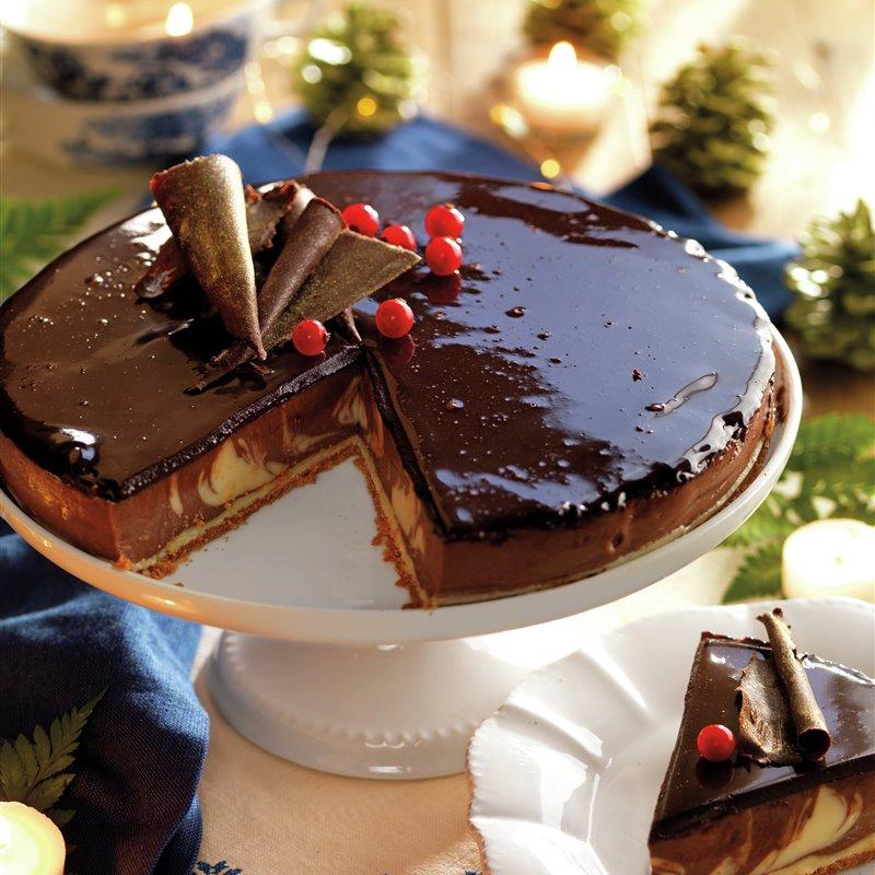 paso_a_paso_para_realizar_tarta_de_queso_marmoleada_a_los_3_chocolates_con_ganache_resultado_final