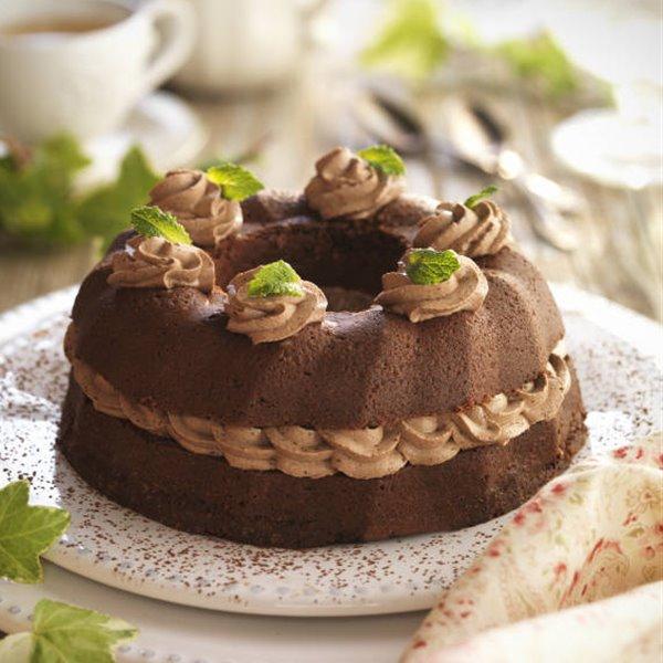 Bizcocho de chocolate relleno de trufa
