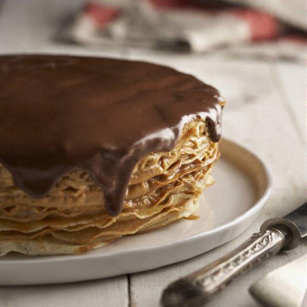 Pastel de crepes con chocolate