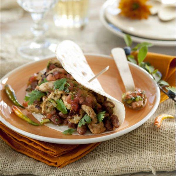 Tacos de pavo marinado con alubias