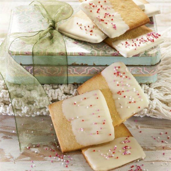 Galletas fáciles de mantequilla con chocolate blanco
