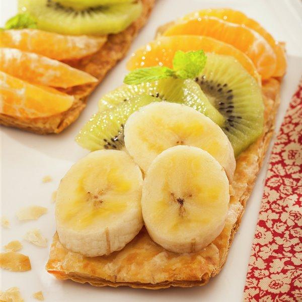 Hojaldritos con fruta de temporada