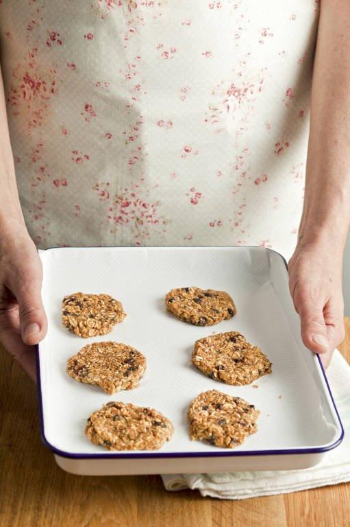 5. Hornea las galletas de avena