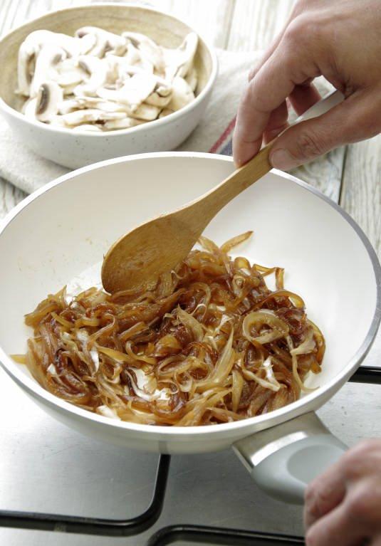 1. Cuece la cebolla