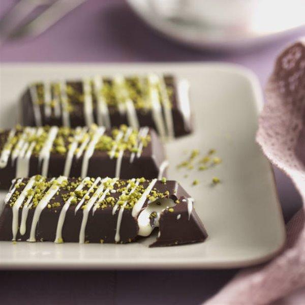 Barritas de chocolate, crema de mascarpone y pistachos