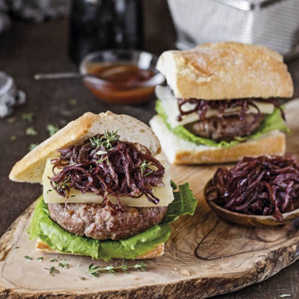 Hamburguesa de ternera y cerdo con queso manchego