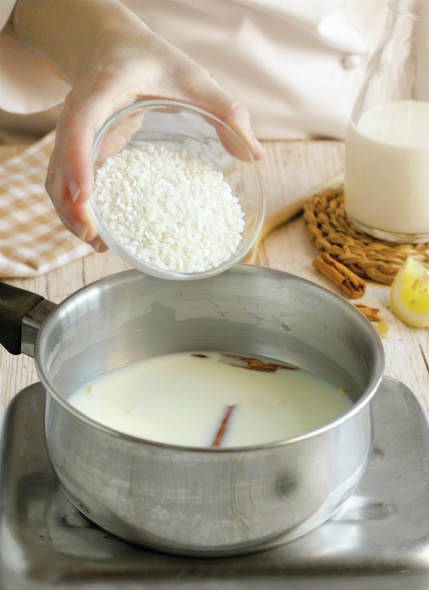 3. Incorpora el arroz