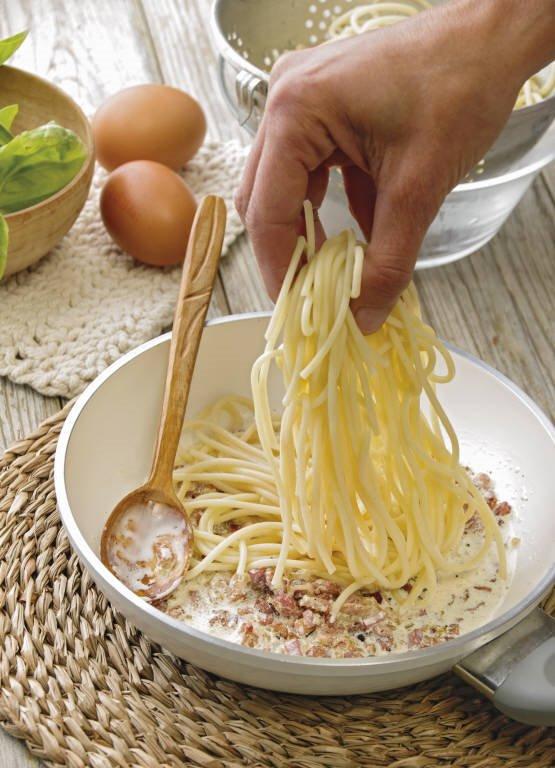 3. Mezcla con los espaguetis