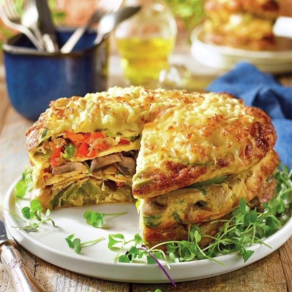Pastel de tortillas de verduras gratinado