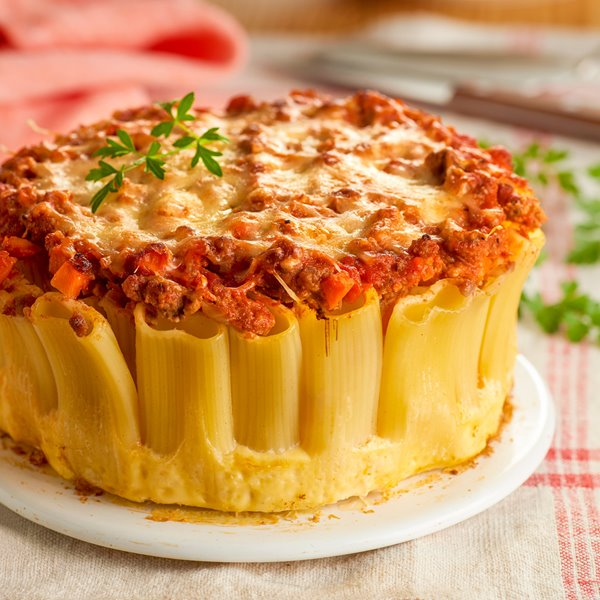 Pastel de rigatoni con boloñesa de cordero