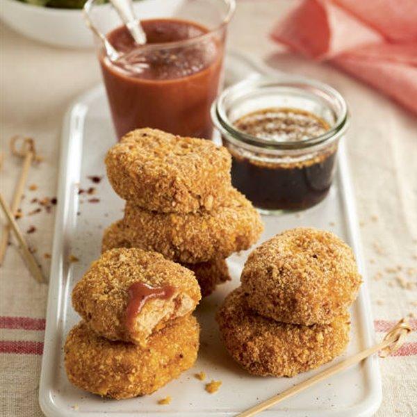 Nuggets de pollo con dos salsas